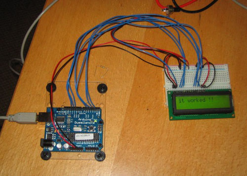Arduino + LCD + LCD4Bit lib in 4 Bit mode (6 pins)